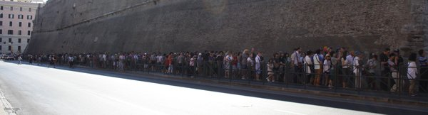 Waiting queue vatican museum